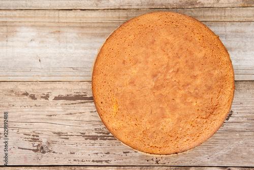 Canvas Print Casic sponge cake Pan di Spagna selective focus