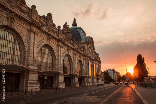 Fotografiet Stunning cityscape during sunset. Orsay museum in Paris