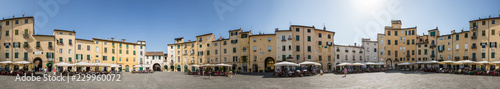 Foto  360 degree panorama of Piazza dell'Anfiteatro which is a public square in the no