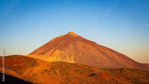 Foto auf Gartenposter Gebirge El Teide Volcano Peak on Tenerife Island, Spain.