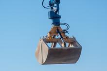Large Mechanical Grabber