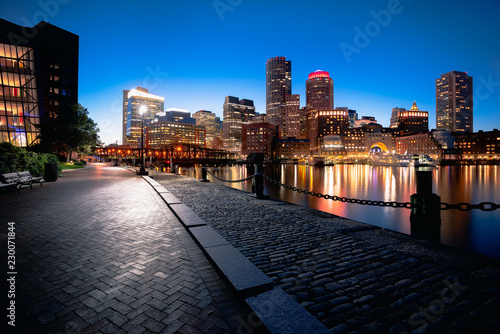 Boston harbor at dusk in Boston Massachusetts USA Fotobehang