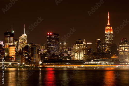 In de dag New York City Midtown Manhattan Skyline at Night