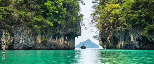 Poster Asia land Amazing view of beautiful lagoon with turquoise water in Koh Hong island. Location: Koh Hong island, Krabi, Thailand, Andaman Sea. Artistic picture. Beauty world. Panorama