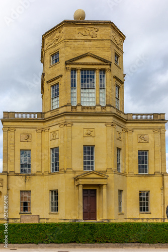 Spoed Foto op Canvas Oude gebouw The impressive old observatory in Oxford in a sunny autumn day - 1