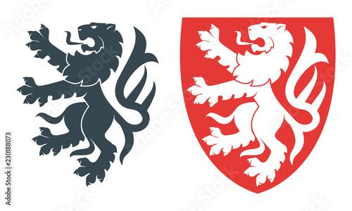 Naklejka premium Ilustracja wektorowa czarnego lwa na heraldykę lub tatuaż. Vintage design heraldyczne symbole i elementy