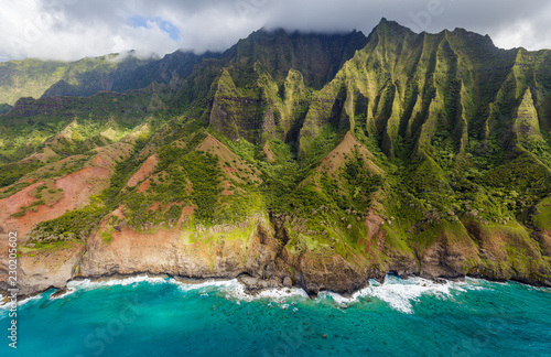 Stampa su Tela View of the monumental Na Pali Coast at Kaa Alahina Ridge and Manono Ridge, Kalalau trail visible if zoomed in