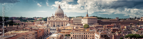 Panoramic view of Rome with St Peter's Basilica in Vatican City, Italy Slika na platnu
