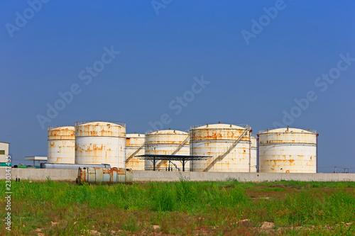 Foto op Plexiglas Arctica Oil storage tank, industrial equipment