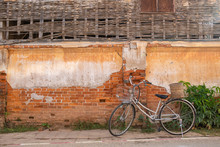 [CHIANG KHAN] Bicycle And Old ...