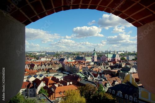 Widok na Poznań z zamkowego okna, Zamku Królewskiego w Poznaniu - 230365026