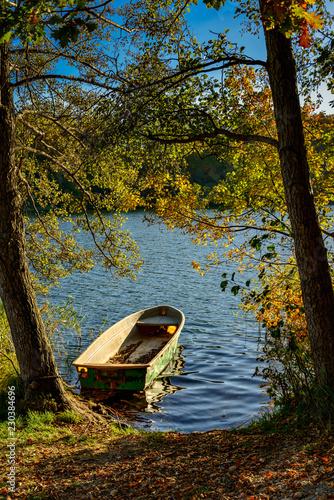 Photo  Ruderboot am herbstlichen Liepnitzsee bei Wandlitz