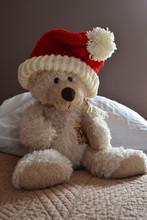 Ours En Peluche Avec Bonnet Du Père Noël, Ourson Saint-Nicolas, Fête De Noël, Bonne Année