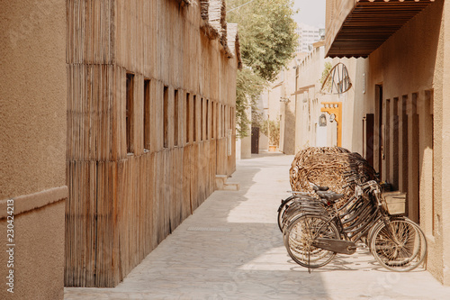 Photo  Old town in Al Fahidi Historical District. Dubai city, UAE