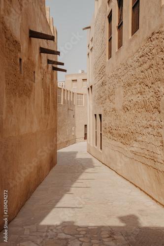 Naklejka premium Stare miasto w historycznej dzielnicy Al Fahidi. Dubaj, Zjednoczone Emiraty Arabskie