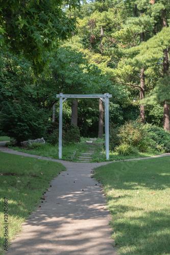 Fotografia, Obraz  A nice footpath at a public park.