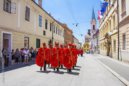 Fotografía  Ceremonial Changing of the Guard in Zagreb, Croatia