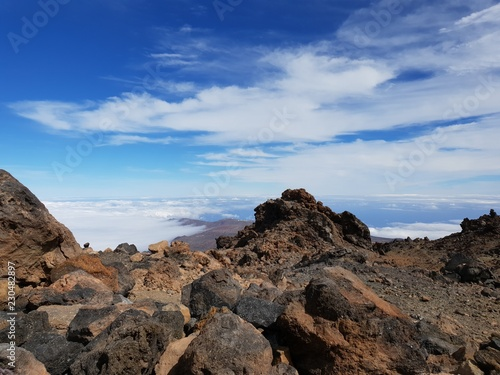 Spoed Foto op Canvas Blauwe hemel Beautiful scenery over the clouds from the big famous volcano Pico del Teide in Tenerife, Europe