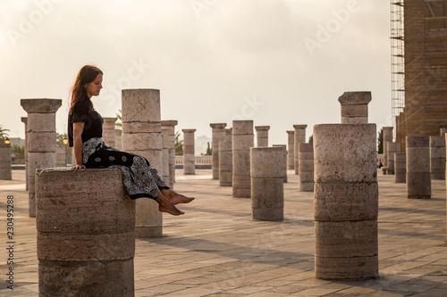 Papel de parede  Femme en voyage au Maroc touriste voyageuse mosquée