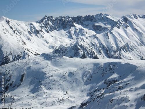 Montage in der Fensternische Alpen Amazing Winter Panorama from Todorka peak, Pirin Mountain, Bulgaria
