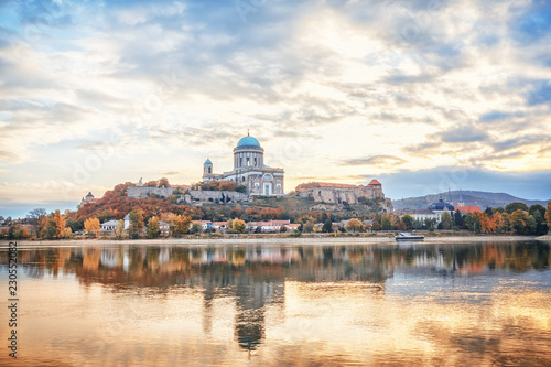 Foto auf Leinwand Weiß Estergom, the first capital of Hungary. Fantastic morning view over Danube river on Basilica of the Blessed Virgin Mary. Beautiful reflections mirrored in water. Famous travel destination.