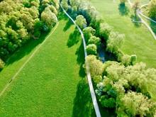 Farben Der Erde. Felder Und Bäume Am Fluß Pegnitz Im Osten Nürnbergs