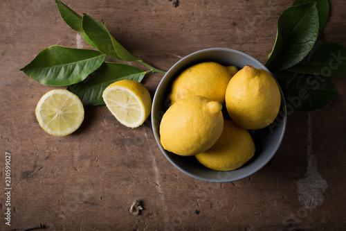 Fotografija tavolo con limoni