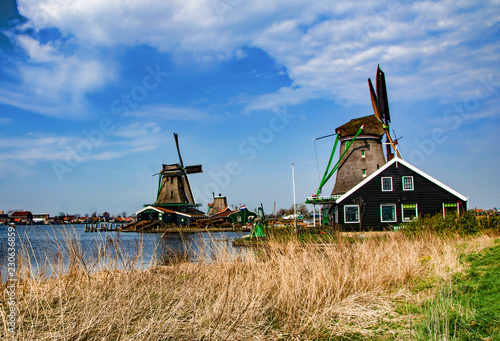Spoed Foto op Canvas Molens windmills in holland