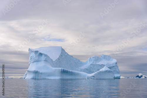 Fotobehang Antarctica Beautiful Antarctiс seascape with iceberg