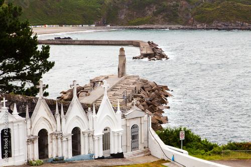Cementerio de Luarca con vistas al mar
