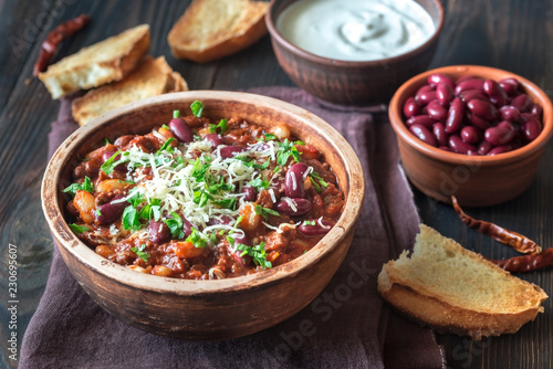 Photo Bowl of chili con carne