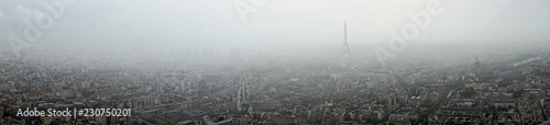 Photo Panoramic view of Paris in the fog