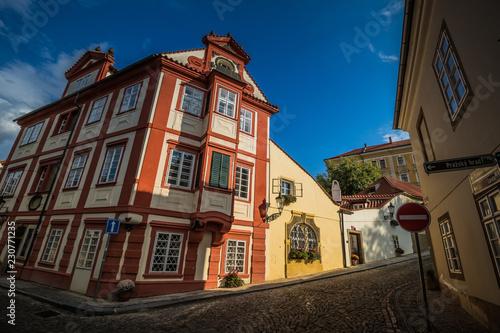 fototapeta na ścianę Die Neue Welt ist ein kleines Stadtviertel bei der Prager Burg, wo die Zeit stehen geblieben ist. Hier haben die Angestellten der Prager Burg residiert.