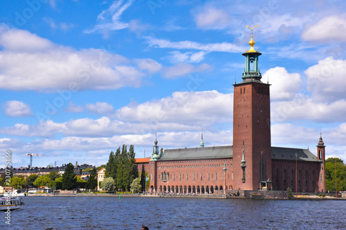 Fotografia Stockholm City Hall, seen from the south across water