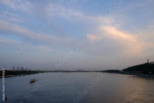 Foto op Aluminium Kiev view of the river in Kyiv