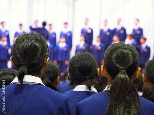 中学生の合唱コンクールの発表会 Fototapet