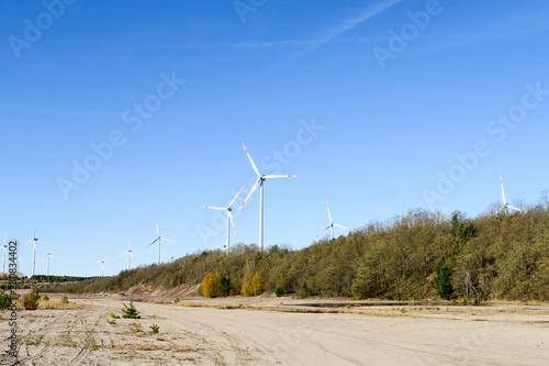 Fotografie, Obraz  Alternative Energien Windrad Windpark in natur