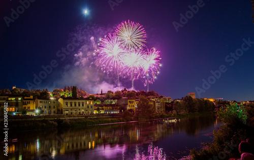 Fotografie, Obraz  Fuochi d'artificio sul lungarno san niccolò a firenze durante la festa del patro