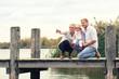 canvas print picture - Zeit zusammen genießen - Familie am See