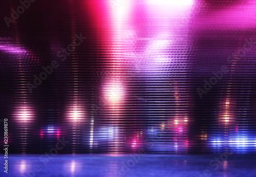 Fotografía  Futuristic pink and purple neon night lights of the city