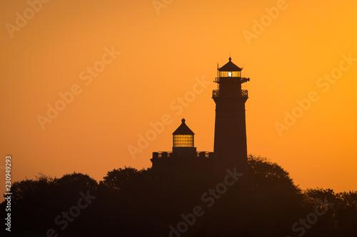 Montage in der Fensternische Leuchtturm Leuchtturm auf Insel Rügen im Sonnenaufgang
