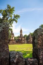 Wat Jedi Jed Teaw Temple In Su...