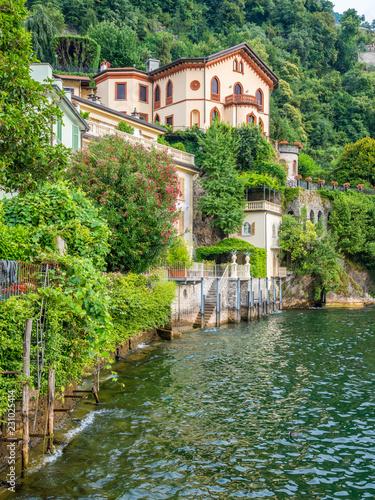 Photo  Scenic sight in Torno, colorful and picturesque village on Lake Como