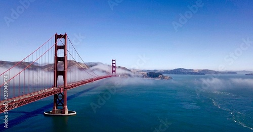 Spoed Fotobehang Bruggen View of golden gate bridge over San Francisco Bay