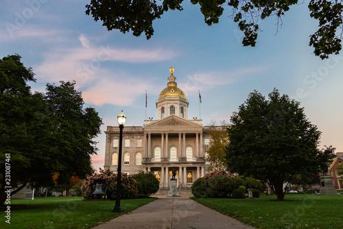 Canvastavla New Hampshire State House at Sunrise