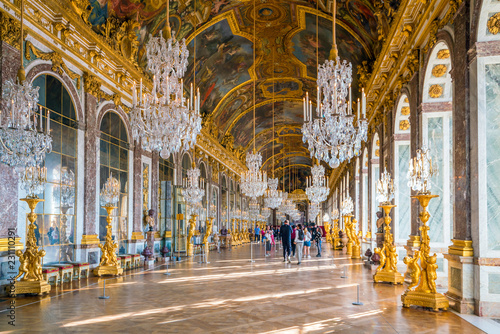 The hall of mirrors in Palace of Versailles Fototapet