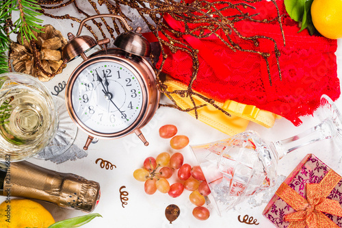 Foto  Spanish New Year traditions