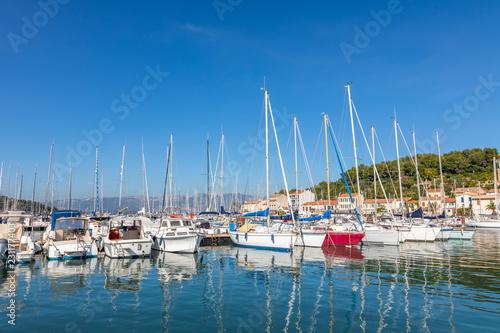 Fototapeta Port de Saint-Mandrier-sur-Mer, Anse du Creux Saint-Georges