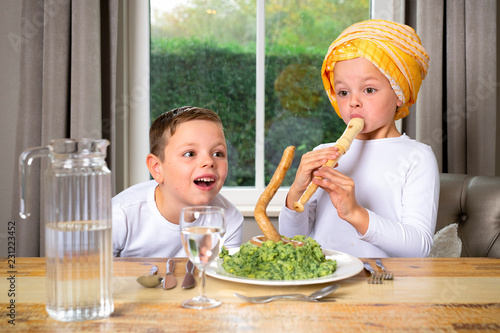 Aluminium Prints Grocery children play with healthy food