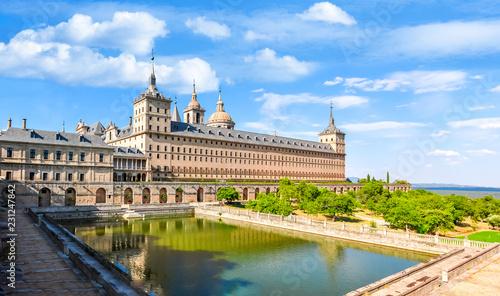 Foto  El Escorial Palace, Madrid suburbs, Spain